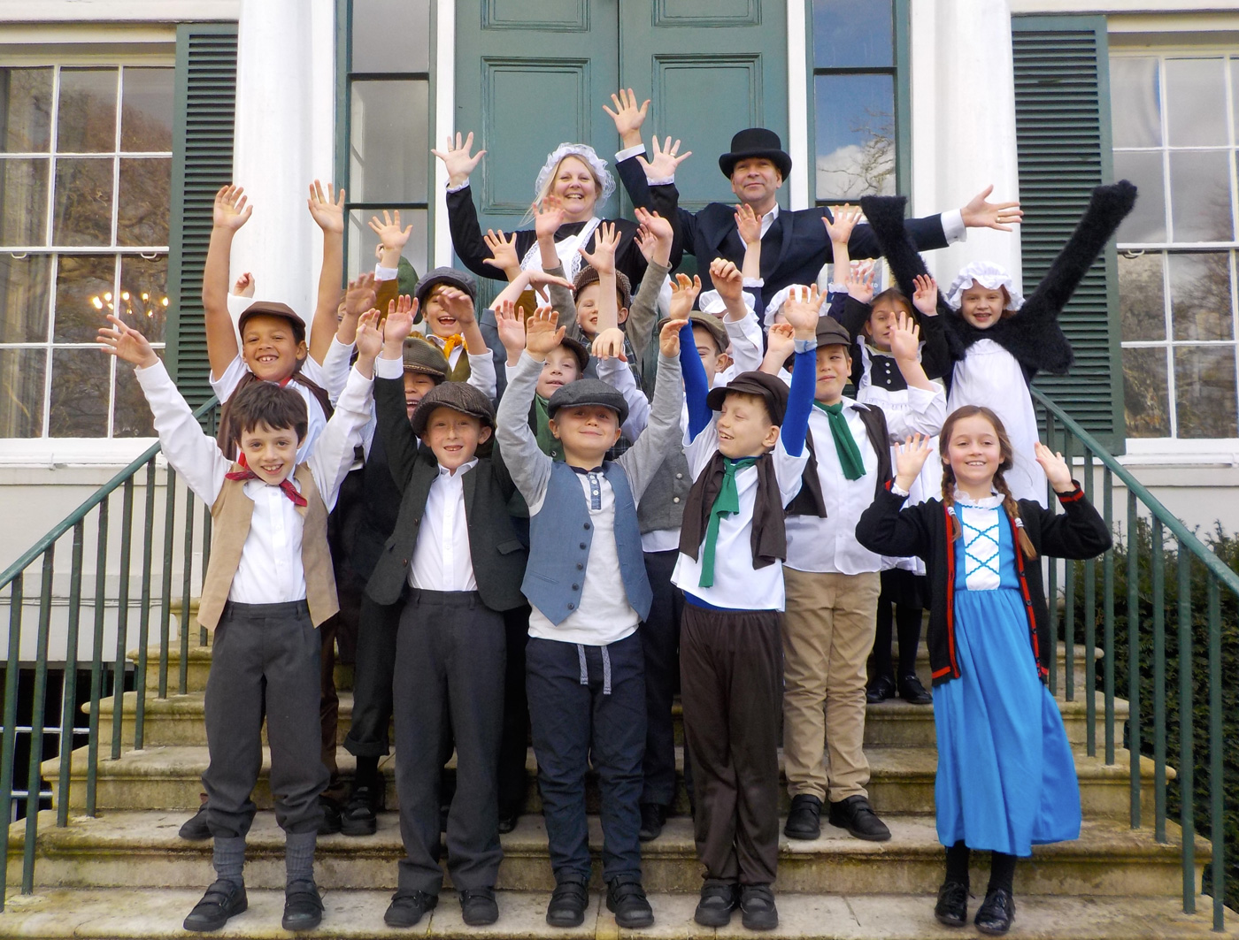 Year 3 visit Preston Manor for their Victorians topic